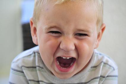 Mein Kind haut, schreit und beißt